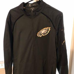 Eagles Nike 1/2 zip size medium